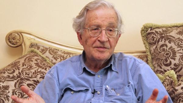 El politólogo y filósofo Noam Chomsky precisó que el operativo militar y ocupación de Irak costó más de un millón de vidas. | Foto: Actualidad RT