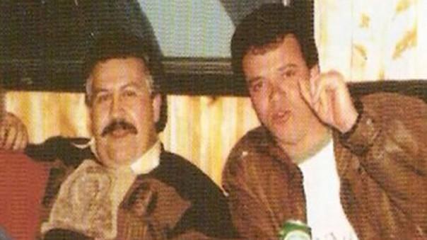 Pablo Escobar, a la derecha, con 'Popeye' Velásquez/Captura de pantalla
