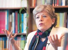 Alicia Bárcena, titular de la Cepal. El organismo elevó en 0,7 punto la proyección de baja del PIB
