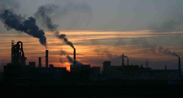 La liberación de CO2 a la atmósfera es una de las principales causas del cambio climático.
