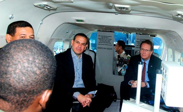 El titular de Defensa, Samuel Reyes, aseguró que están investigando el supuesto atentado contra el embajador de Estados Unidos, James D. Nealon.