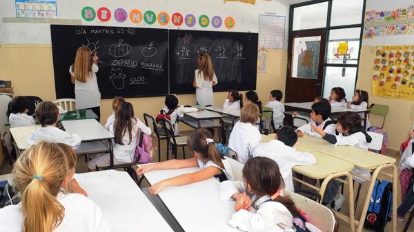Este año 11.432 chicos no pudieron ir a la escuela pública. En el año próximo, la cifra de excluidos podría aumentar. (Foto: Pablo Piovano)
