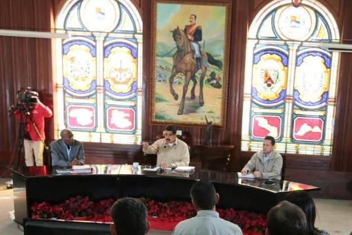 Nicolás Maduro instó al sector privado a incorporarse a la construcción del sistema económico. | Foto: @PresidencialVen
