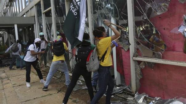 crisis-en-brasil-2461003w620