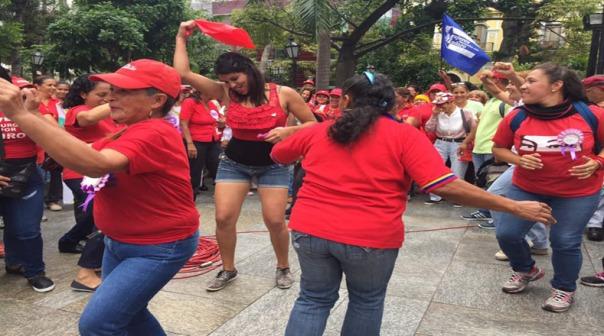 venezuela_telesur_revolucionarias_chavistas
