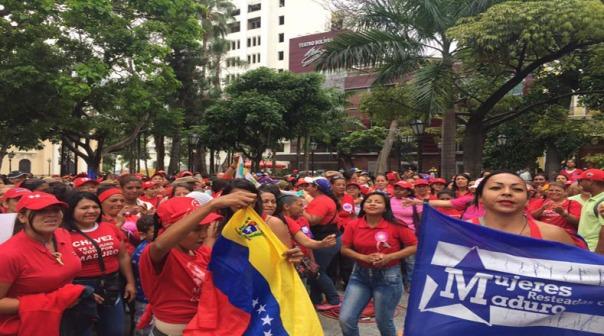 venezuela_telesur_revolucionarias_chavistas_2_maduro
