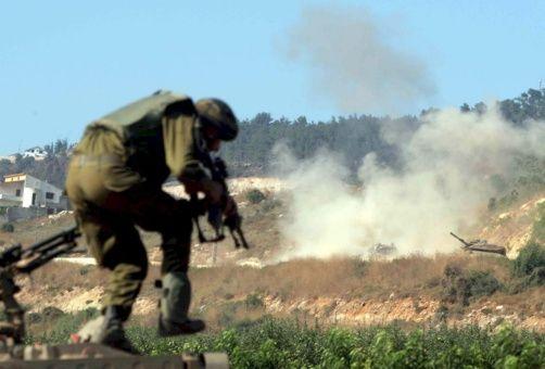 un_soldado_israelx_toma_posiciones_durante_un_ataque_del_grupo_chix_hizbulx_sobre_un_convoy_del_ejxrcito_israelx_en_la_frontera_libanesa__efe_xreferencialx.jpg_1718483347 (1)