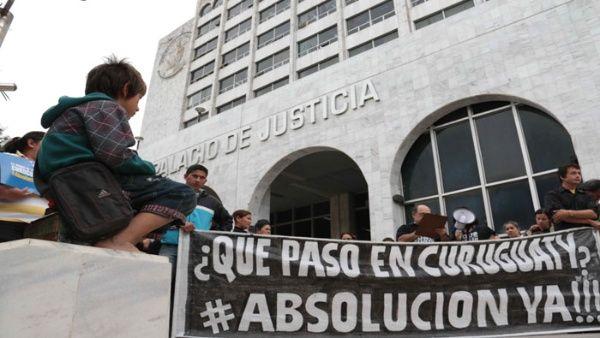 varias_personas_participan_en_una_manifestacixn_por_el_juicio_la_masacre_de_curuguaty_en_2016_-_efe.jpg_1718483347